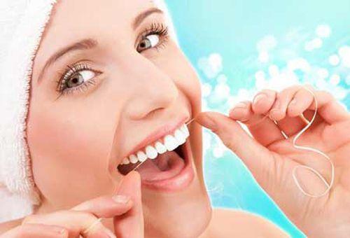 Hướng dẫn cách chăm sóc răng miệng khi niềng răng