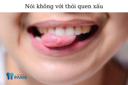 Chăm sóc răng sau khi tháo niềng 3